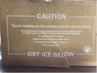 Nomnomnow freeze dried dog food box dry ice keeps cold and fresh