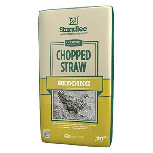 Chopped straw hay wheat barley bedding for dogs good bad idea outdoors