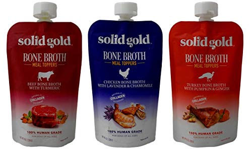 Using bone broth to soften dry dog kibble and add protein